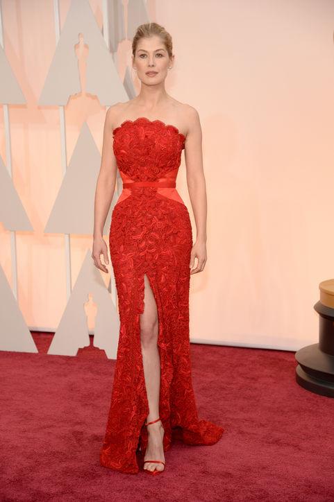 rosamund-pike-red-dress-oscars-2015-h724